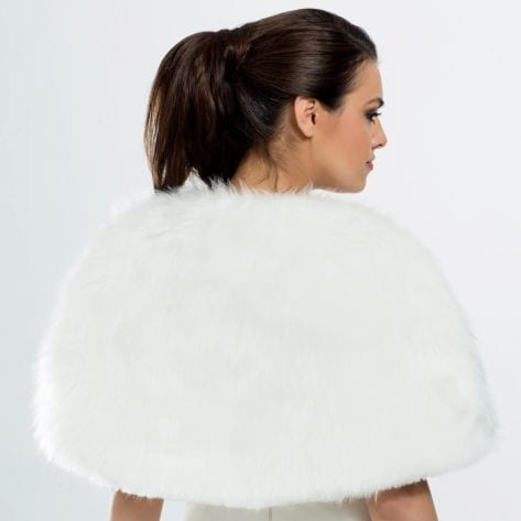 Cape / wrap made of high quality faux fur.